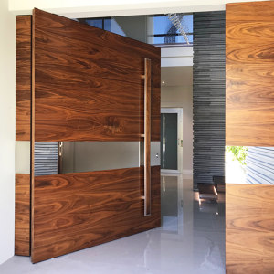 EXTERIOR PIVOT DOORS