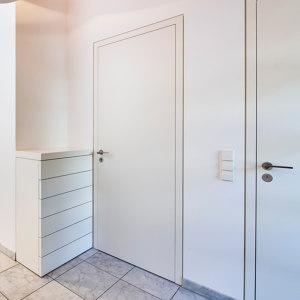 FLUSH-FITTING DOORS
