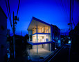 Shigeru Ban Architects-Curtain Wall House -2