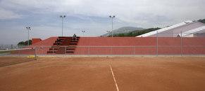 M+V merlini & ventura architectes-La Veyre et l'endroit du tennis -1