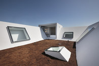 -Earth House -3