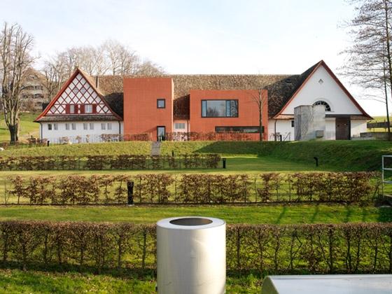 Stefan Zwicky Architekten-Umbau Reitgebäude, Credit Suisse Communications Center Horgen 2000-2003