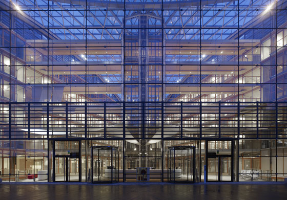 European Investment Bank (EIB) di Ingenhoven architects | Edifici amministrativi