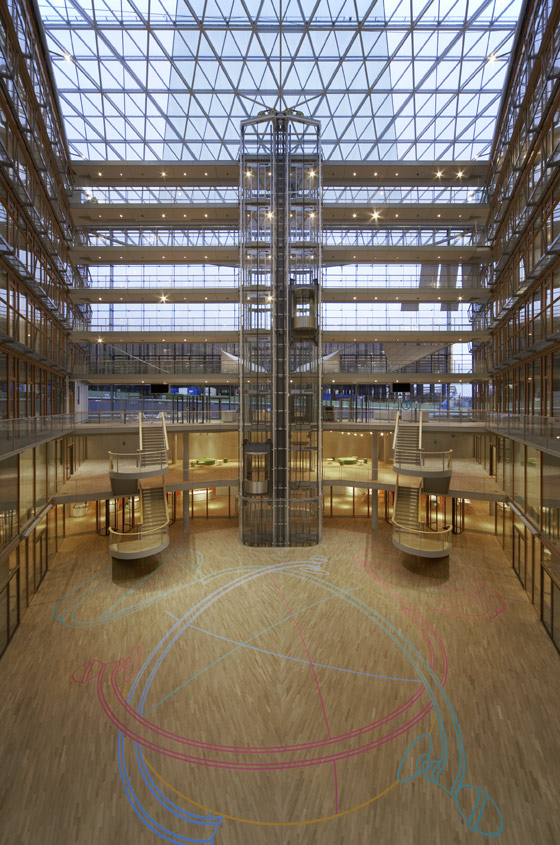 European Investment Bank (EIB) by Ingenhoven architects | Administration buildings