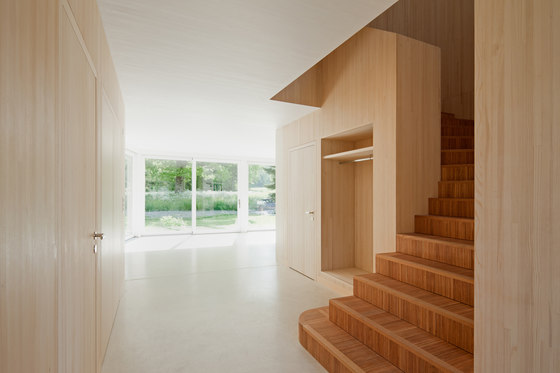 Einfamilienhaus B by huggenbergerfries | Detached houses