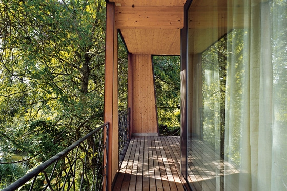 Staufer & Hasler Architekten-Sommerhaus auf dem Seerücken