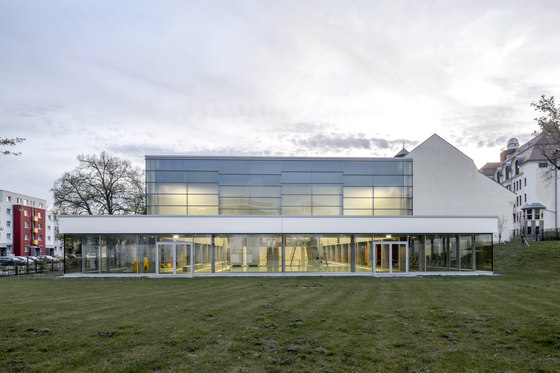 Gotha Municipal Pool by Veauthier Meyer Architekten | Indoor swimming pools