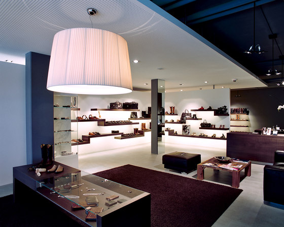 Showroom, Pfäffikon by ARNDT GEIGER HERRMANN | Shop interiors