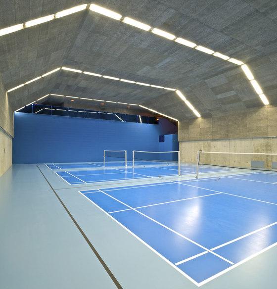 M+V merlini & ventura architectes-La Veyre et l'endroit du tennis