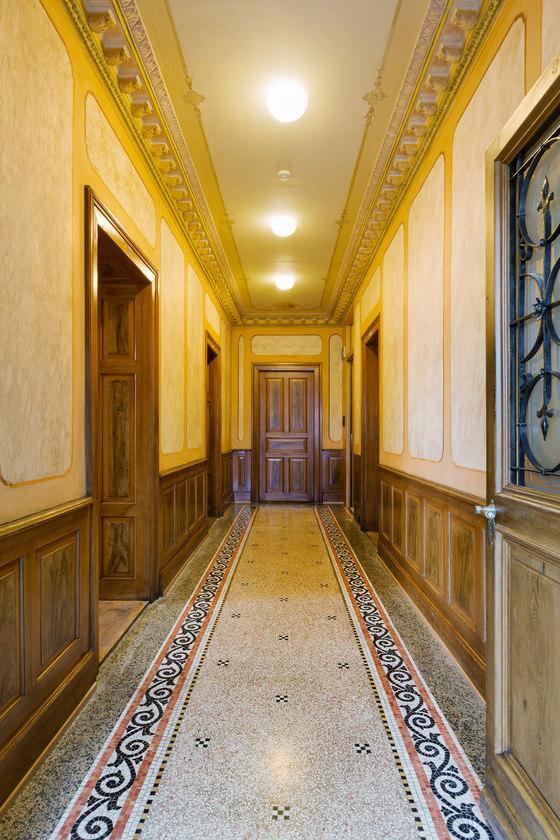 raiffeisenbank villa rosenheim by moos giuliani herrmann. Black Bedroom Furniture Sets. Home Design Ideas