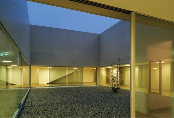 Centre funéraire régional à Nyon, Vaud by Aeby & Perneger SA | Church architecture / community centres