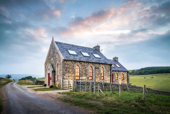 Chapel on the Hill by Evolution Design | Detached houses