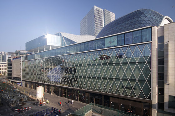"Myzeil – shopping mall, part of the ""PalaisQuartier"" by Studio Fuksas 