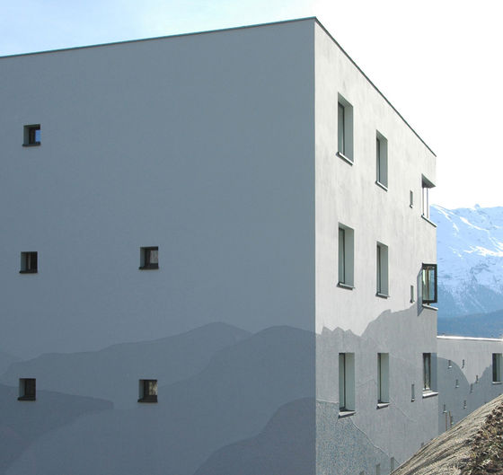 Personalhaus des Spitals Oberengadin by Mierta & Kurt Lazzarini Architekten | Apartment blocks