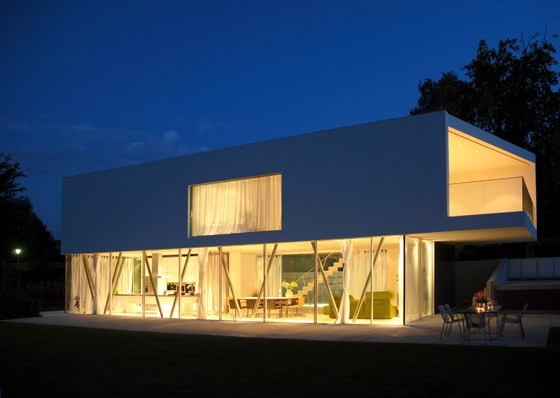 tecARCHITECTURE HQ by tecARCHITECTURE | Detached houses