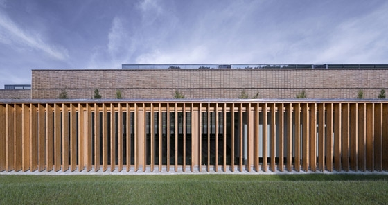 Hochschule für Technik und Wirtschaft, Neubau einer Cafeteria auf dem Burren di MGF Architekten GmbH | Ristoranti