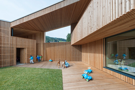 Kindergarten Valdaora di Sotto by feld72 | Kindergartens / day nurseries