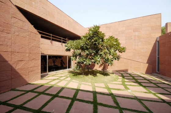 Parag Shah Residence by Matharoo Associates | Detached houses