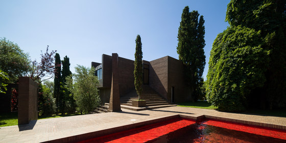 Family House By Ricardo Bofill Detached Houses