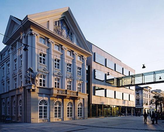 Hypo-Bank Zentrale by Dietrich Untertrifaller Architekten   Office buildings