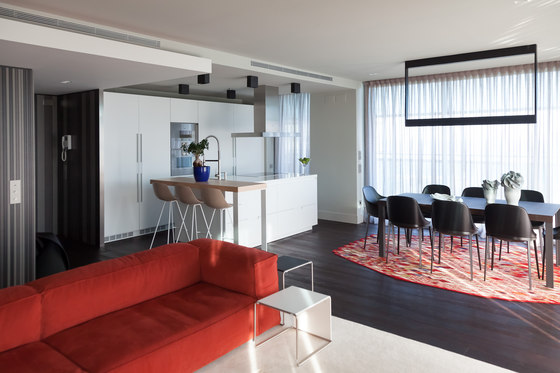 Apartment - Showroom Barcelona di NU Architectuur | Locali abitativi