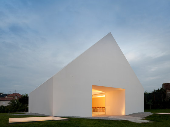 House in Leiria by Aires Mateus e Associados | Detached houses