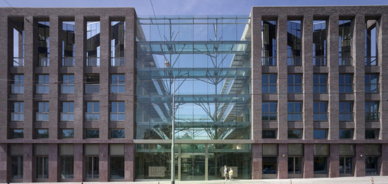 Solid 11 di Tony Fretton Architects Ltd | Case plurifamiliari