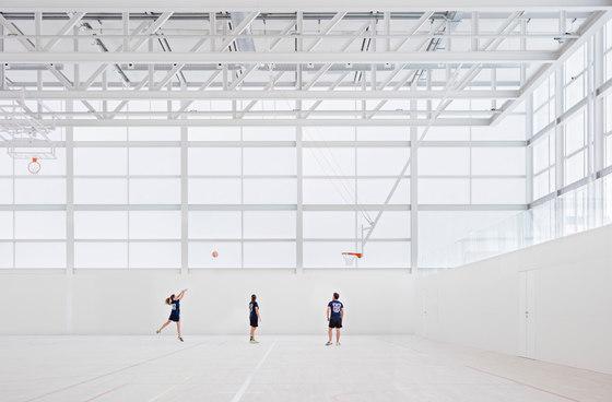 Multi-sport Pavilion And Classroom Complex von Alberto Campo Baeza | Sportanlagen
