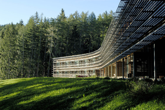 Vigilius mountain resort by matteo thun partners for Matteo thun hotel