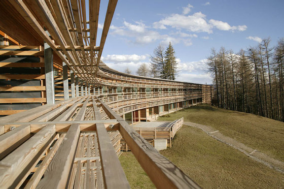 Vigilius mountain resort by matteo thun hotels for Matteo thun hotel