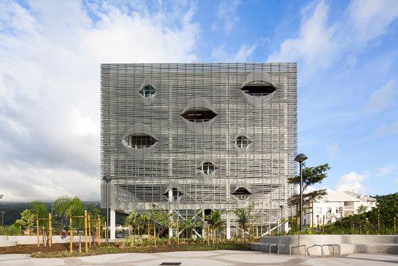 Mediatheque St Paul de Peripheriques architectes | Édifices sacraux / Centres communautaires