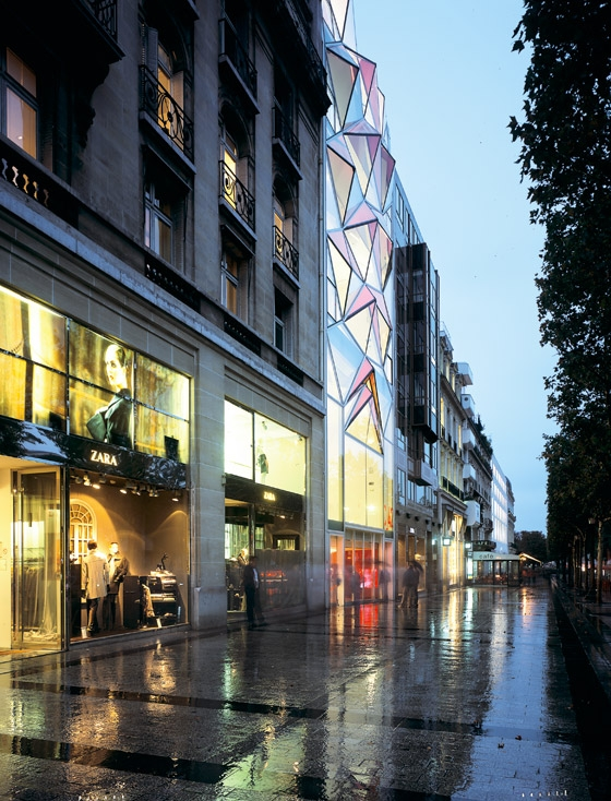 Citroën Flagship Showroom on the Champs-Elysées Avenue in Paris de Manuelle Gautrand Architecture | Showrooms / Salónes de Exposición