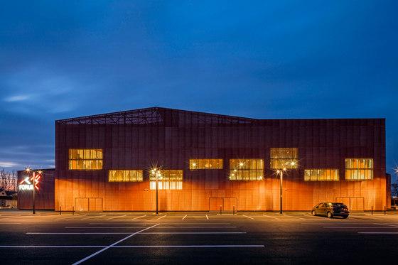 LE FORUM by Manuelle Gautrand Architecture   Sports halls