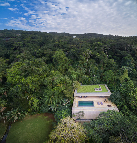 Jungle house by Studio MK27 | Living space