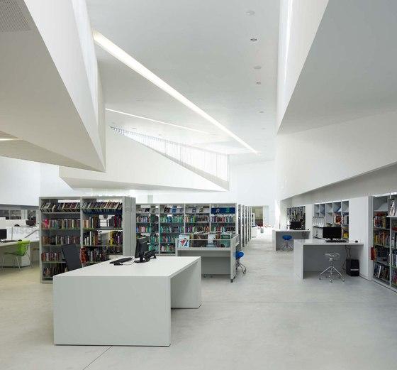 Médiathèque d'Anzin de Dominique Coulon & Associés | Shops