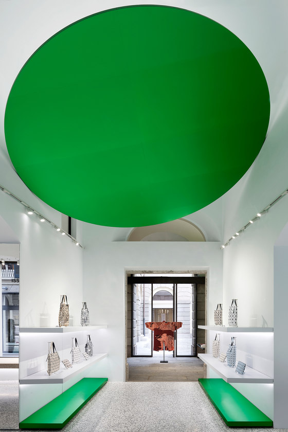 Issey Miyake by Tokujin Yoshioka Design   Shop interiors