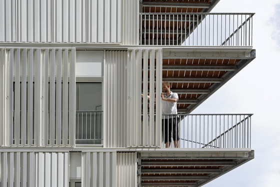 Social Housing rue Castagnary by Dietmar Feichtinger Architectes | Apartment blocks