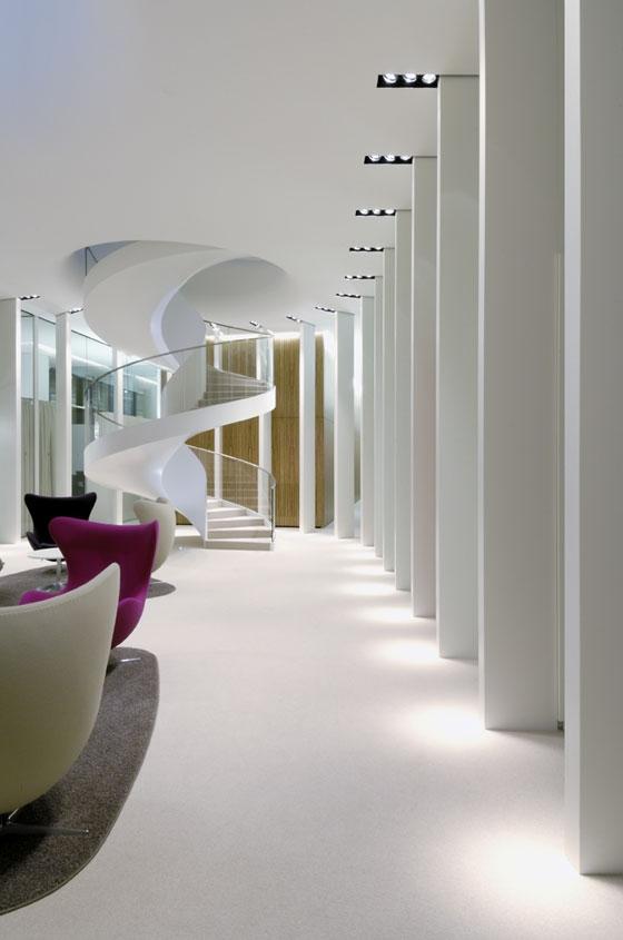 """Private Banking"" Zentrale in Frankfurt di Wittfoht Architekten | Spazi ufficio"
