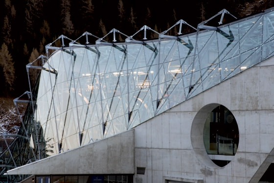 Galzigbahn cable car station by driendl*architects | Infrastructure buildings