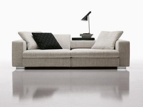 Molteni, sofa 'Turner' by Studio Hannes Wettstein | Short runs