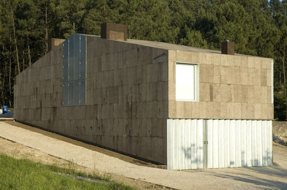 cork house by Arquitectos Anonimos / Atelier AA | Detached houses