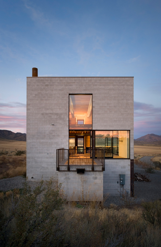 Outpost by Olson Kundig Architects | Detached houses