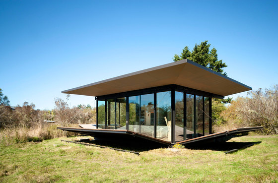 False Bay Writer's Cabin by Olson Kundig Architects | Detached houses