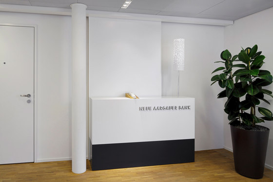 Operational and design concept  for 35 branches of the Neue Aargauer Bank (NAB) di Bureau Hindermann | Spazi ufficio