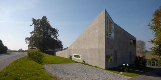 Villa Santos di U15 Novello Eligio Architecte | Case unifamiliari