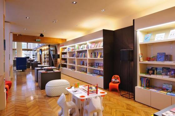 Knjigarna Modrijan de AKSL arhitekti d.o.o. | Shops