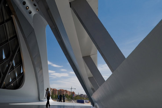 Zaragoza Bridge by Zaha Hadid Architects | Bridges