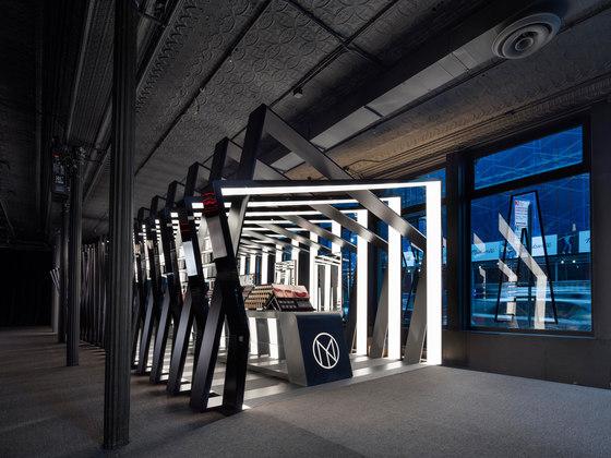Il Makiage pavilion by Zaha Hadid Architects | Shop interiors