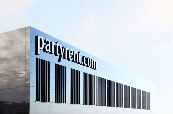 Logistikzentrum Partyrent by Jarosch Architektur | Industrial buildings