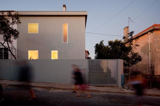 House in Alto da Ajuda de Extrastudio | Adosados